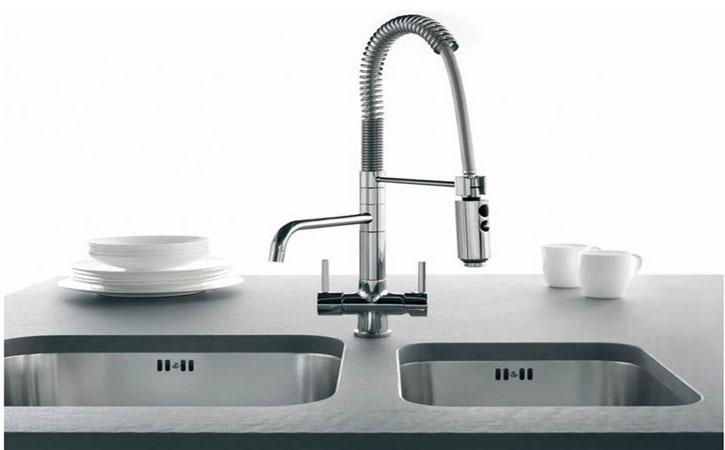 wc bouche chasse deau plombier 24 24 sos wc bouche chasse deau plombier. Black Bedroom Furniture Sets. Home Design Ideas